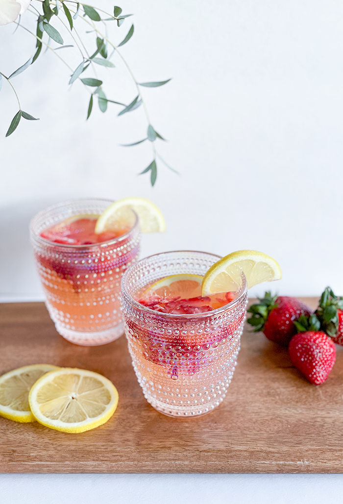 How to Make The Best Strawberry Lemon Mimosa Recipe